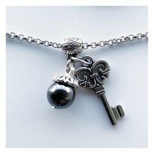 🔴SALE Hematite gemstone bead silver key necklace